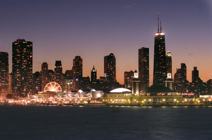 Chicago-Skyline_CC Navy Pier Dusk